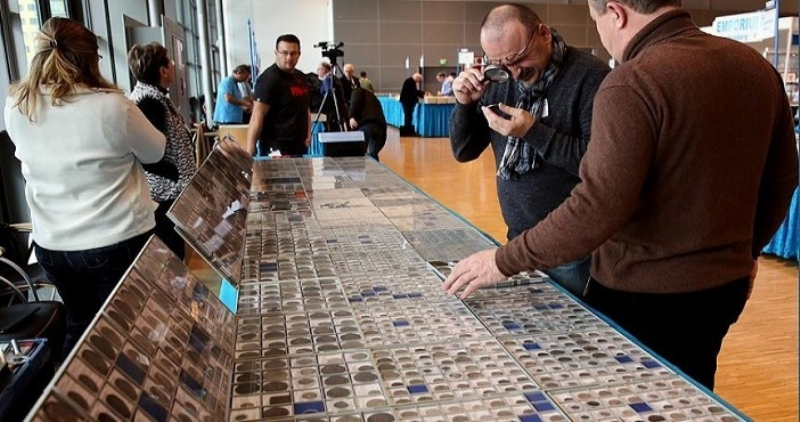 Historical moneys in Turkish fair