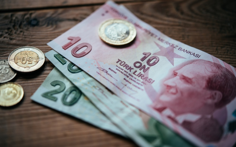 Turkey to use lira in property purchases, sales, rents